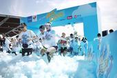 2017年6月3日,北京,全新升级的2017vivo趣炫泡泡跑在北京奥林匹克森林公园举行,近万名运动...