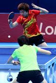 独家图:乒乓球女单决赛 丁宁李晓霞精彩对攻战