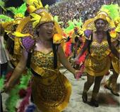 组图:中国56岁大妈热舞进里约 桑巴助威开幕式