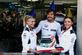 高清:F1德国站练习赛 迈凯伦车队为阿隆索庆生
