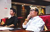 搜狐娱乐讯 12月23日,华谊旗下当红歌手、实力唱作人陈楚生现身家乡,在海南三亚出席了2014-20...