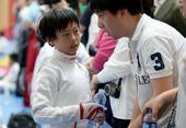 高清:北京青少年击剑赛开幕 小运动员神情专注