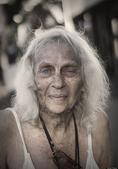 人像摄影:洛杉矶无家可归的流浪老人