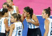高清图:女曲棍球荷兰夺冠 阿根廷选手流血不止