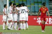高清:中国女足0-1朝鲜 对手进球藏伟低头落寞
