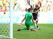 进球回放:马塔后点连入两门 西班牙队锁定胜局
