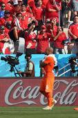 前方图:搜狐直击荷兰赛后 部分智利球迷竖中指