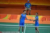 高清图:羽球混双德比战 张楠赵芸蕾强势获铜牌