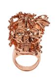 Alexander McQueen的骷髅元素早已运用得炉火纯青,在全球拥有着众多的粉丝。10款来自A...