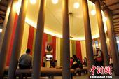 """高清:台湾""""纸教堂""""如梦如幻 可容纳80个座位"""