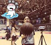 组图:最美篮球裁判? CUBA女神级球员走红网络