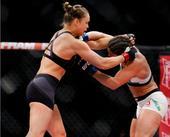 UFC190精彩集锦 罗西顶级拳法34秒KO科雷娅