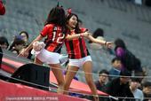 高清:首尔美女看台热舞秀身材 长腿翘臀蝴蝶结