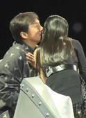搜狐娱乐讯 近日,成龙李冰冰出现在《我看你有戏》的节目录制现场,身为节目导师的两人在现场互动频繁,时...