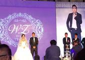 高清图:王长庆在京大婚场面温馨 搞怪婚照曝光