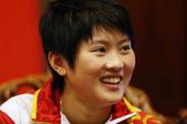独家图:跳水冠军陈若琳做客中国之家 文静可爱