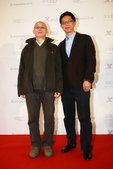 图文:2011搜狐盛典红毯—《风车》刘雁制片人刘国华