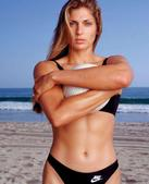 高清:沙滩排球美女写真 身材惹火上演电眼诱惑