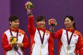 高清图:女子射箭团体决赛 一环之差中国获银牌