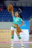 高清:篮球宝贝助阵女篮对决 青春热舞点亮赛场