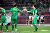 高清图:国安2-1力克申鑫 巴塔拉破门击掌马季奇