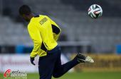 高清图:厄瓜多尔国家队备战 格鲁埃索后跟踢球
