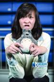 高清:惠若琪接受采访频卖萌 手捧龙猫大秀可爱