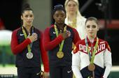 北京时间8月12日凌晨,2016里约奥运会体操比赛继续进行,在女子个人全能决赛中,美国选手西蒙拜尔斯...