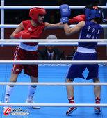 高清:女子拳击51公斤级赛况 朝鲜选手面部被击