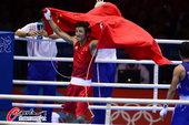 高清图:拳击49KG决赛邹市明出战 卫冕冠军积极