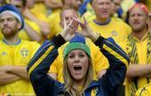 高清图:瑞典佳人碧眼翘睫太撩人 伪娘性感抢镜