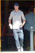 好莱坞街拍周报:型男酷爱复古风