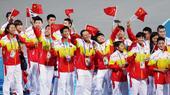 高清:运动员入场欢乐自拍 中国代表团动用神器
