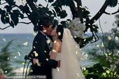 高清:杜威婚礼与爱妻幸福接吻 一同甜蜜切蛋糕