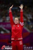 高清图:加拿大枫叶飞舞伦敦 麦克琳南奥运摘金