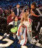 高清:全明星星光熠熠 Jay-Z碧昂斯带女儿观战