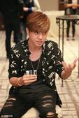 搜狐娱乐讯(视觉中国/图文) 10月7日,歌手罗志祥在香港一家酒店举行媒体招待会,宣布圣诞节在香港亚...