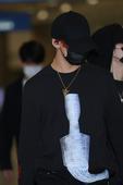 搜狐韩娱讯 (图文/小雨)6月5日清晨,人气男子团体GOT7结束泰国行程经由仁川国际机场返回首尔。...