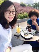 美滋滋!惠若琪携母亲喝下午茶 被误认姐妹(图)