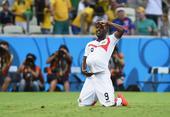 高清图:哥斯达黎加3-1乌拉圭 坎贝尔个性庆祝