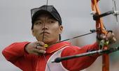 高清图:男子射箭戴小祥晋级 中国小伙表现不俗
