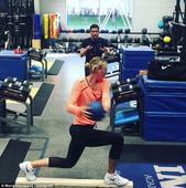 莎拉波娃健身房训练保持状态 即将解禁复出(图)