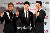 组图:JYJ等艺人出席釜山APAN Star Road活动