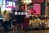 搜狐娱乐讯 (洪水工作室/图文)日前,搜狐娱乐在北京某餐厅附近遇到了廖凡夫妇。当天,廖凡一身休闲装扮...