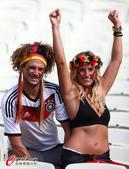高清图:德国乳神名花有主 巴西美女爱德国帅哥