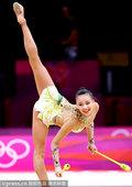 当地时间2012年8月11日,伦敦奥运会韩国小萝莉孙妍在出战艺术体操个人全能决赛。孙妍在是韩国第一位...