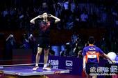 高清:马龙获世乒赛男单冠军 跃上球台忘情庆祝