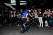 骑行者展示才华的舞台 中国极限大师挑战赛(图)