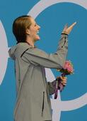 北京时间8月4日,2012年伦敦奥运会女子200米仰泳决赛,美国选手弗兰克林以2分04秒06的成绩获...