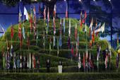 北京时间7月28日消息,伦敦奥运会开幕式在伦敦碗举行。在开幕式接近尾声阶段,国际奥委会主席罗格进行了...